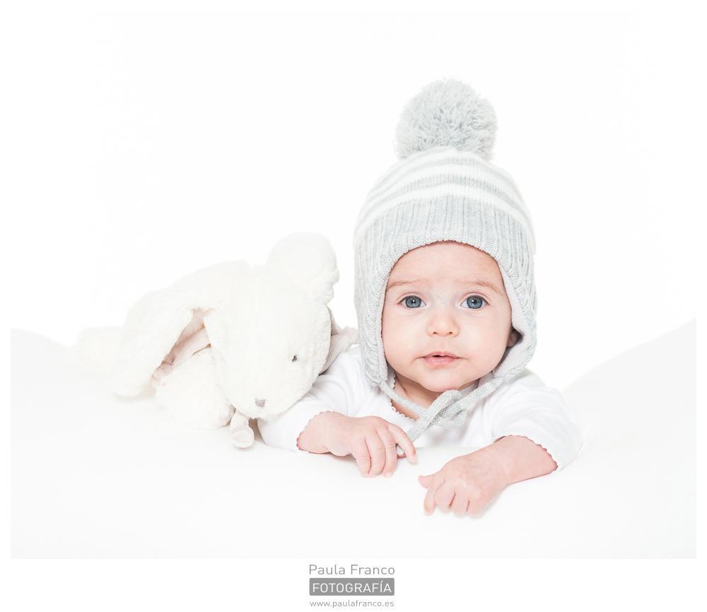 Sesión fotográfica bebé estudio · Santiago de Compostela · Paula Franco FOTOGRAFÍA · Martiño 2